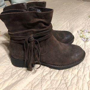 Born zip up booties